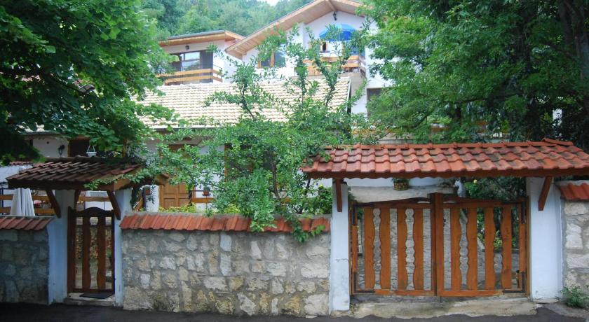 Rooms for Rent - Villa Desi