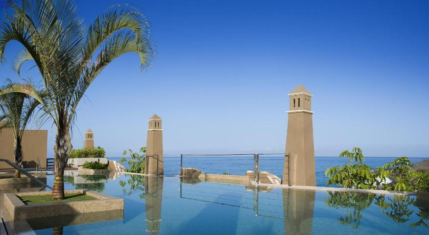 Best time to travel La Palma Hotel Playa Calera