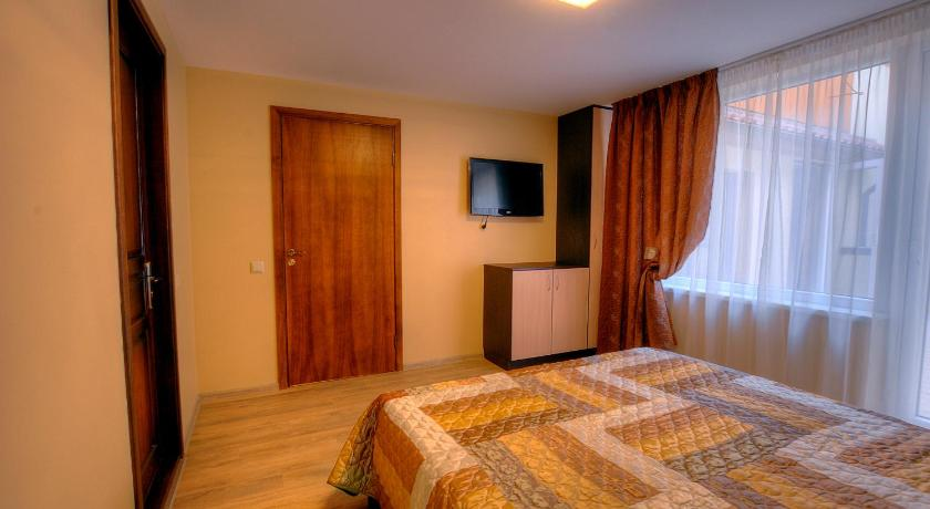 Double Room with Private Bathroom Floros Simfonija