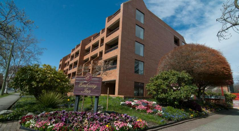 Best time to travel Canada The Embassy Inn