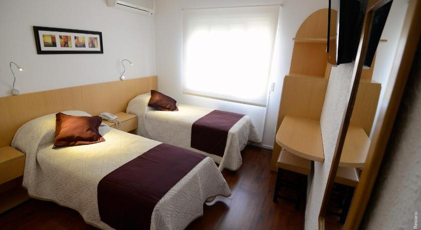 Single Room Hotel Ajax