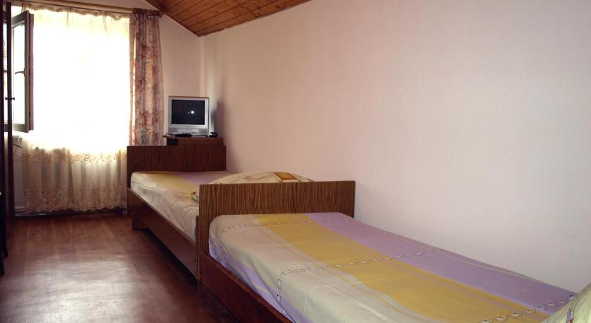 Twin Room with Shared Bathroom Guest House Equator