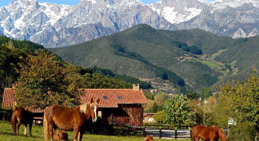 Best time to travel Spain Hotel-Posada La Casa de Frama