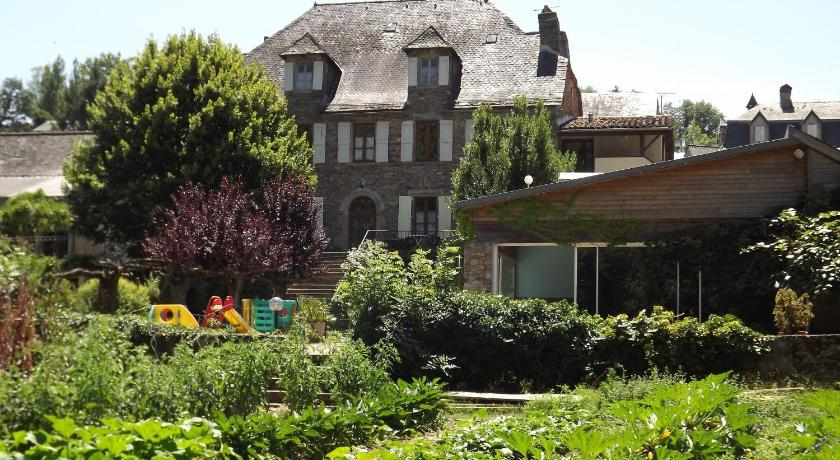 Best time to travel France Logis Hostellerie des Lauriers