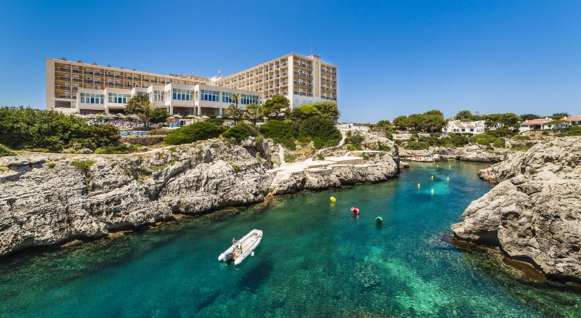 Best time to travel Menorca Globales Almirante Farragut