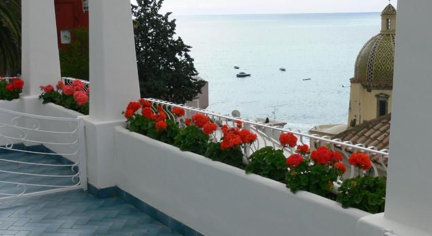 Double or Twin Room with Private External Bathroom La Tavolozza Residence