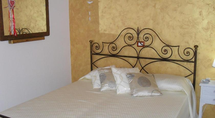 Double Room with Private Bathroom Bentu e Sole