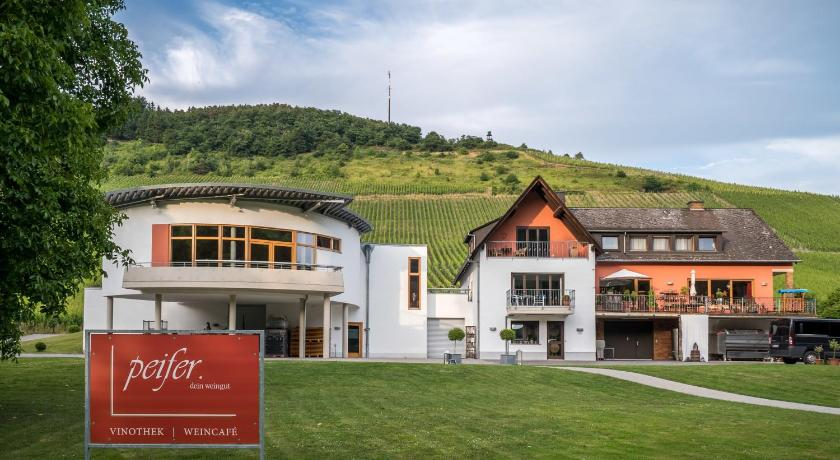 More about Weingut Peifer