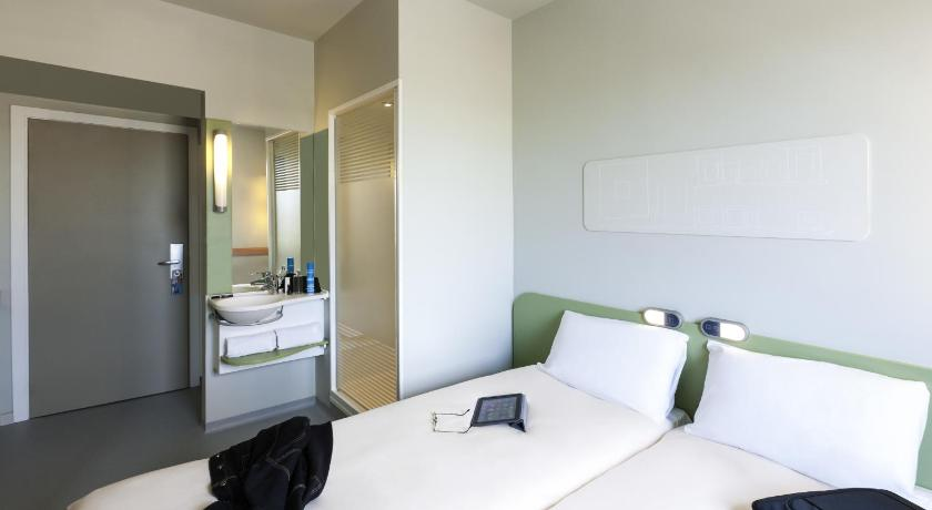 Best time to travel Valencia Ibis Budget Valencia Alcasser