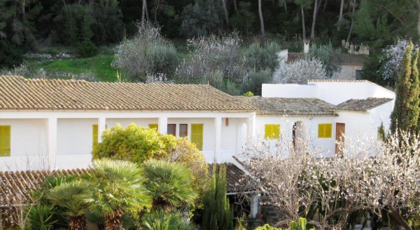 Best time to travel Majorca Hostal Catalina Vera