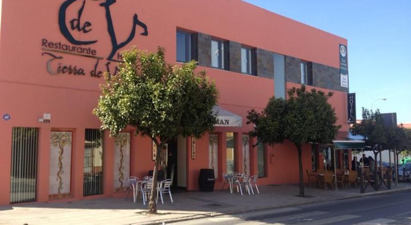 Best time to travel Spain Hotel León Tierra de Vinos