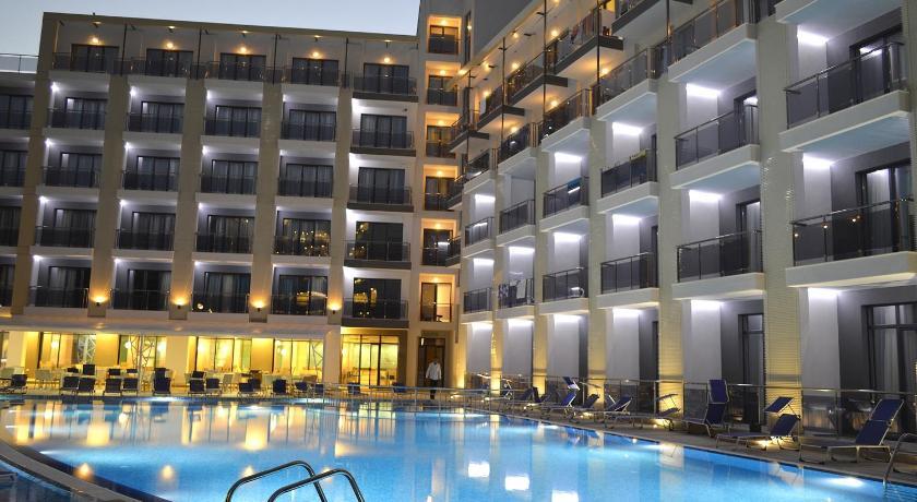 Best time to travel Golden Sands Smartline Arena Mar Hotel and SPA
