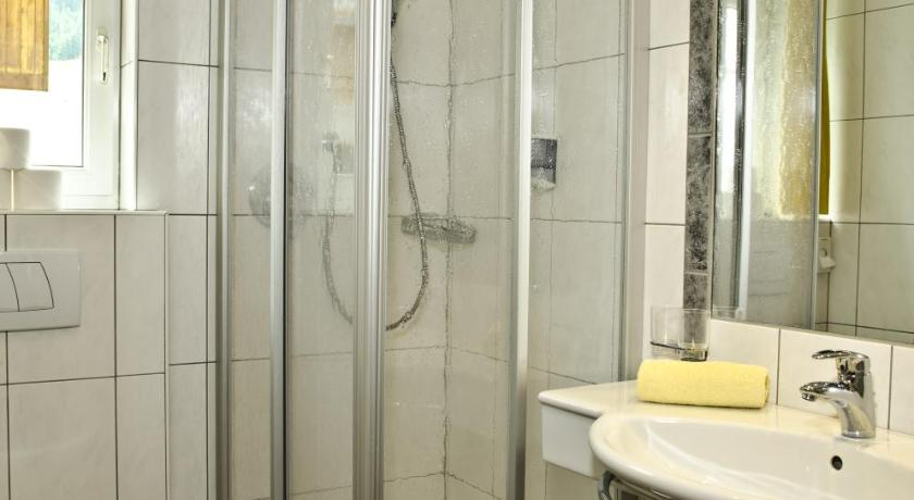 Double Room Appartements Chasa Valletta