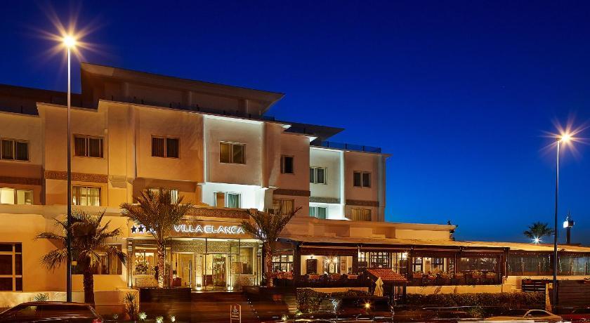 Best time to travel Morocco Villa Blanca Urban Hotel