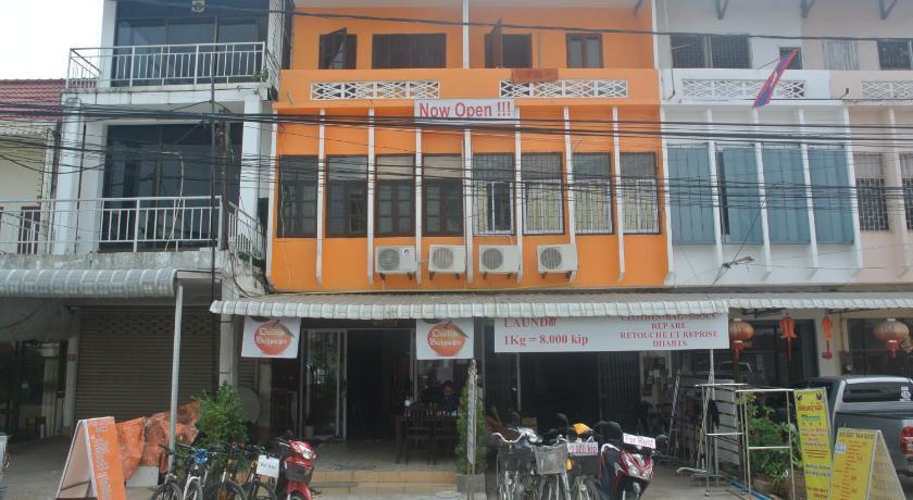 Best time to travel Vientiane Orange Backpacker Hostel