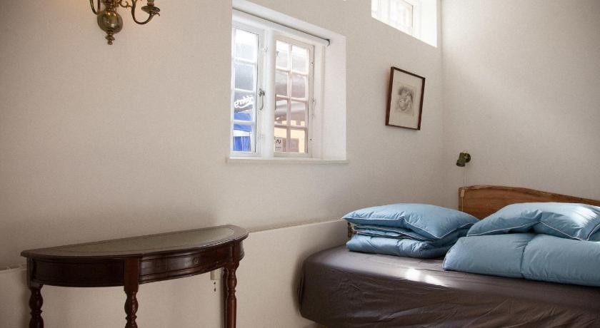 Economy Double Room with Shared Bathroom Bedwood Hostel