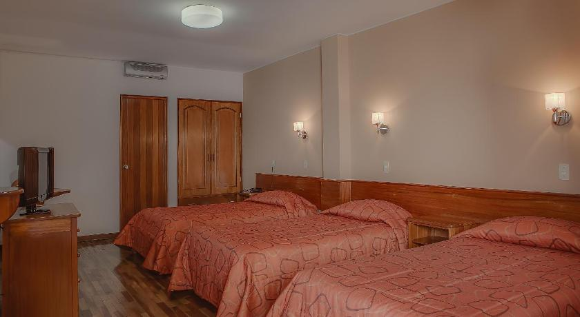 Triple Room Meson Hotel