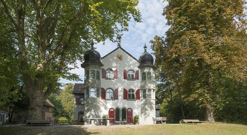More about Schaffhausen Youth Hostel