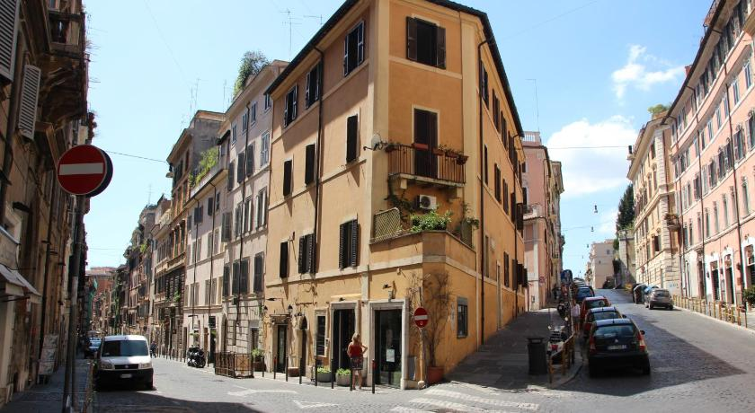 Rome City Center Apartments in Italy - Room Deals, Photos ...