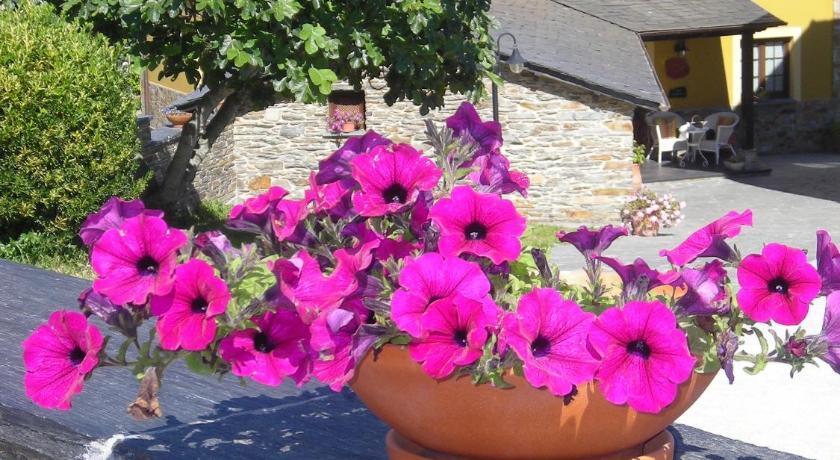 Best time to travel Spain Apartamentos Rurales Casa Pachona
