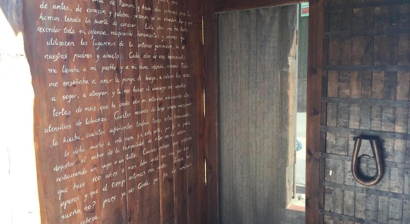 Best Price On La Casa Azul In Alcanadre Reviews