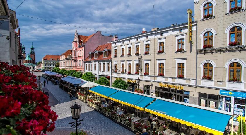 Best time to travel Poland Pietrak Hotel