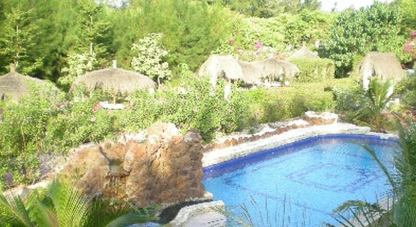 Best time to travel Senegal Le Calao du Lac Rose