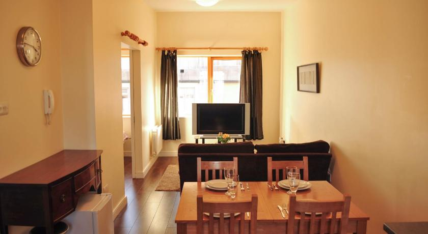 Best Price on Halfpenny Bridge Holiday Homes - Temple Bar in ... on