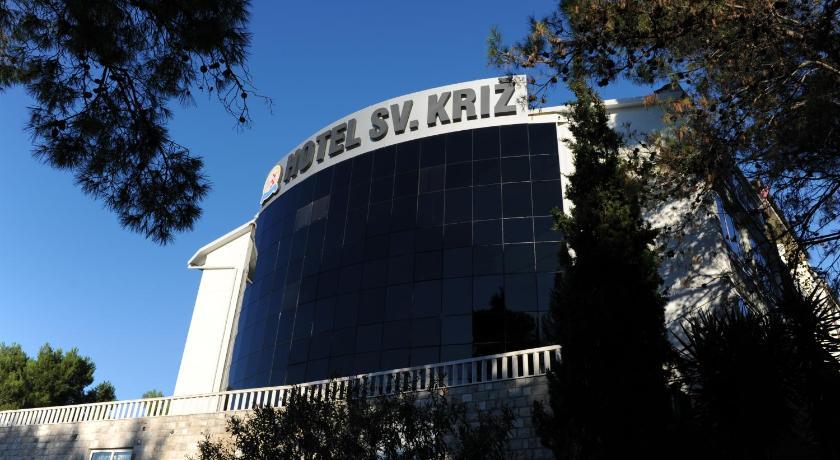 Best time to travel Solin Hotel Sveti Kriz