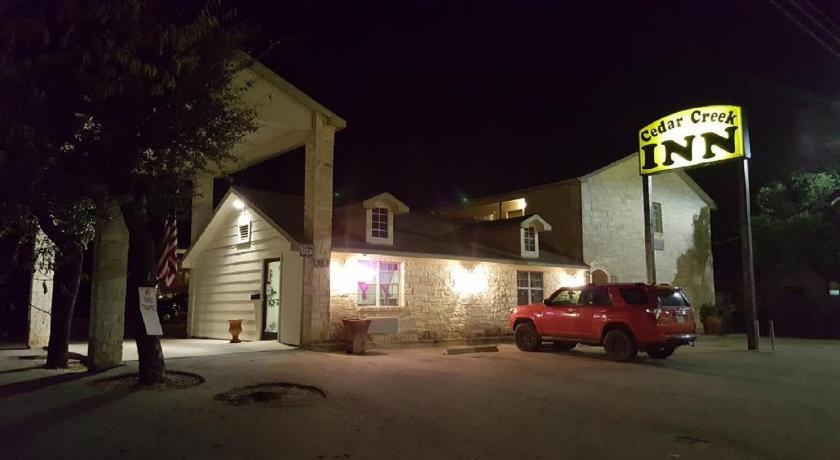 Best time to travel United States Cedar Creek Inn