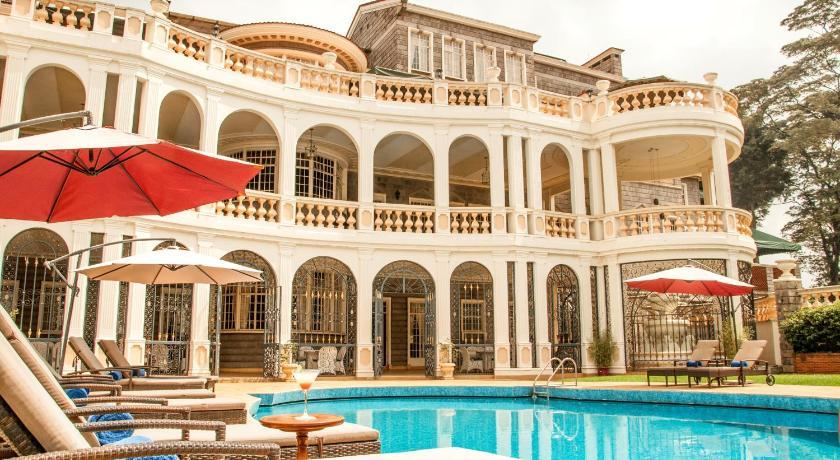 Best time to travel Kenya Sovereign Suites