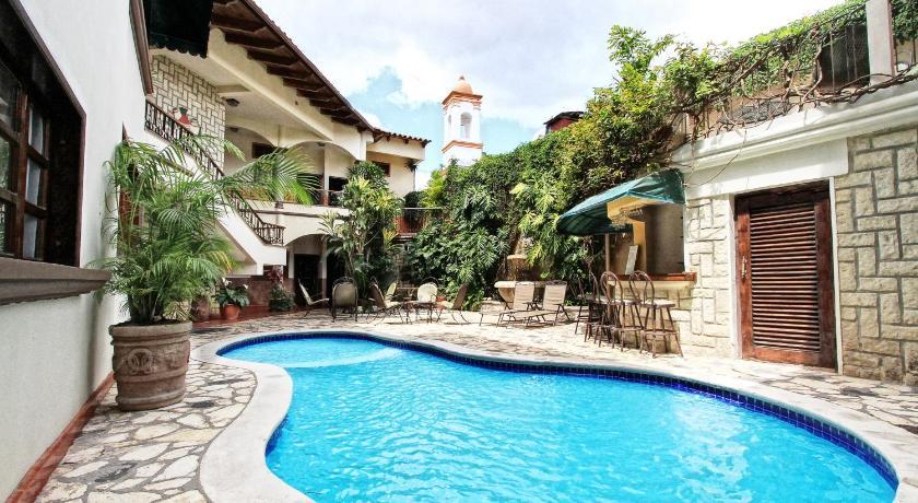 Best time to travel Honduras Hotel Plaza Copan