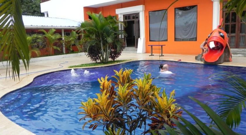 Best time to travel Puerto Barrios Hotel Puerto Libre