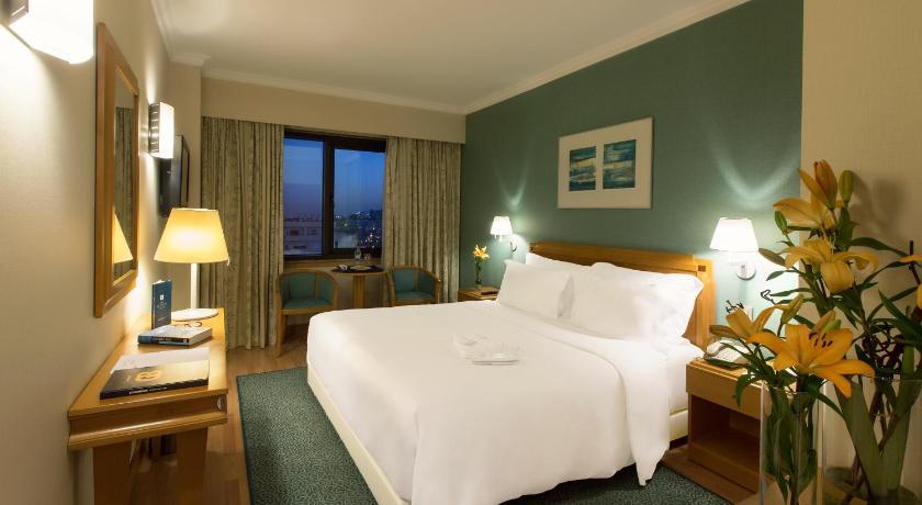 Best time to travel Lisbon SANA Metropolitan Hotel