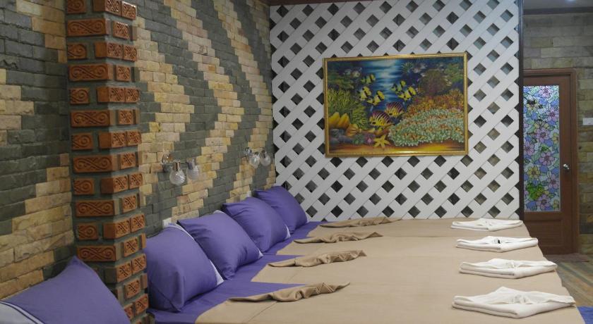 Phumthadarommanee Resort
