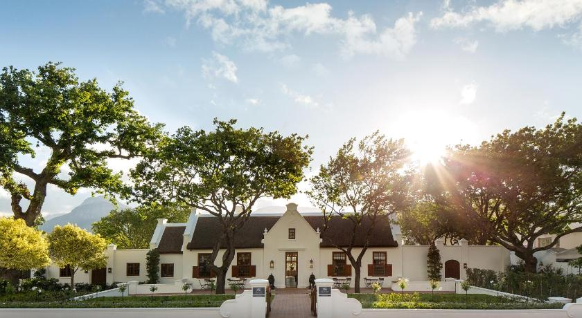 Best time to travel South Africa Leeu House