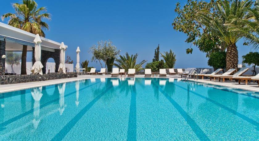 Best time to travel Santorini Makarios Hotel