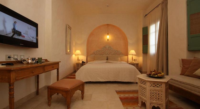 Best time to travel Tunisia Dar Saida Beya