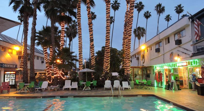 Best time to travel Los Angeles BackPackers Paradise Hostel