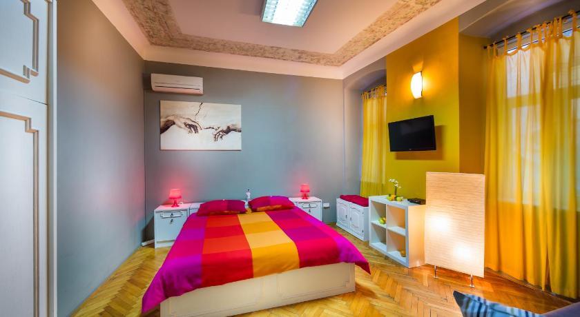 Best time to travel Croatia Apartment Korzo Filodrammatica