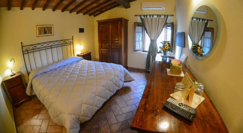 Materasso Matrimoniale Offerte Toscana.Casa Di Campagna In Toscana Sovicille Offerte Agoda