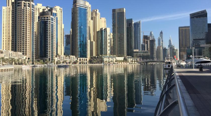 Waterfront One Bedroom Apartment Dubai Marina