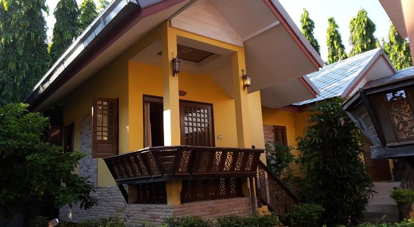 Best time to travel Thailand Fueangfu Villa