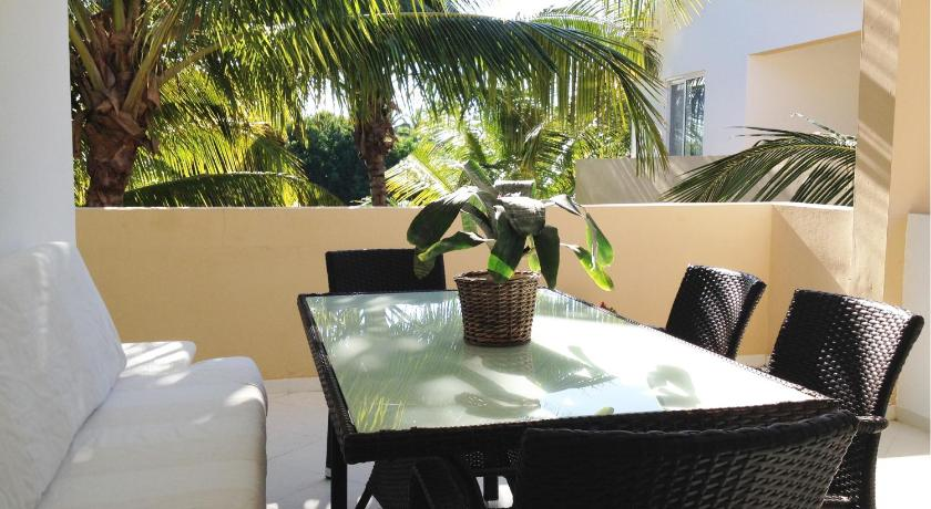 Two-Bedroom Penthouse Apartment and Beach Club Bayahibe Apartamentos