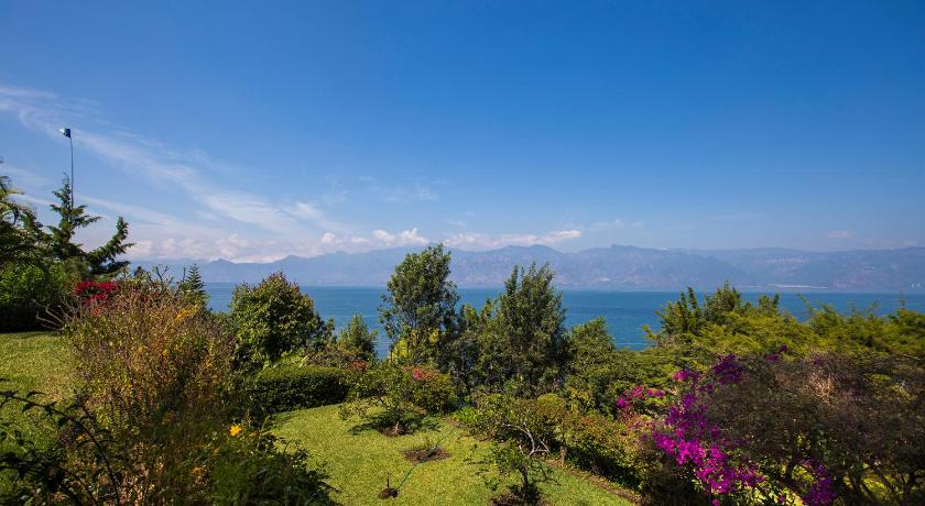 More about Villas de Atitlan