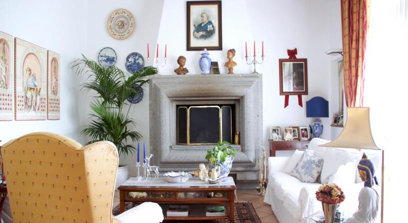 Best time to travel Italy B&B Old England