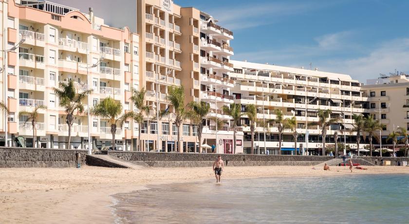 Best time to travel Lanzarote Hotel Diamar