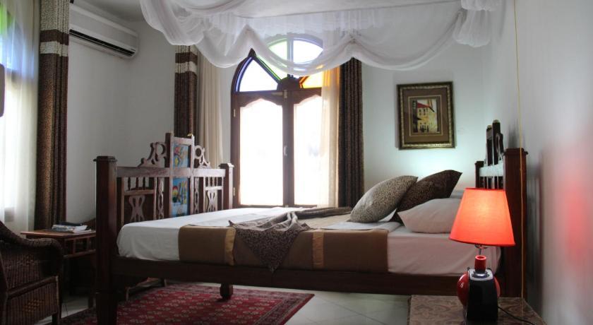 Best time to travel Tanzania Al-Minar Hotel