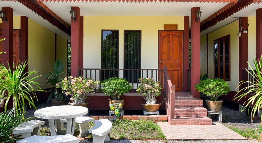 Best time to travel Sukhothai Sangaroon Resort