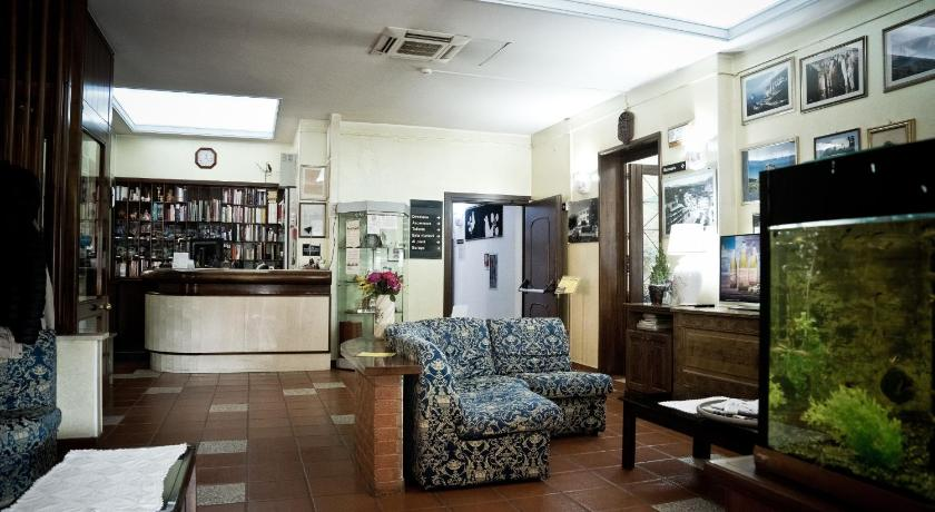 Best time to travel Italy Hotel Artu